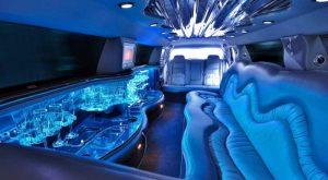 Mengapa Anda Harus Menggunakan Layanan Limousine
